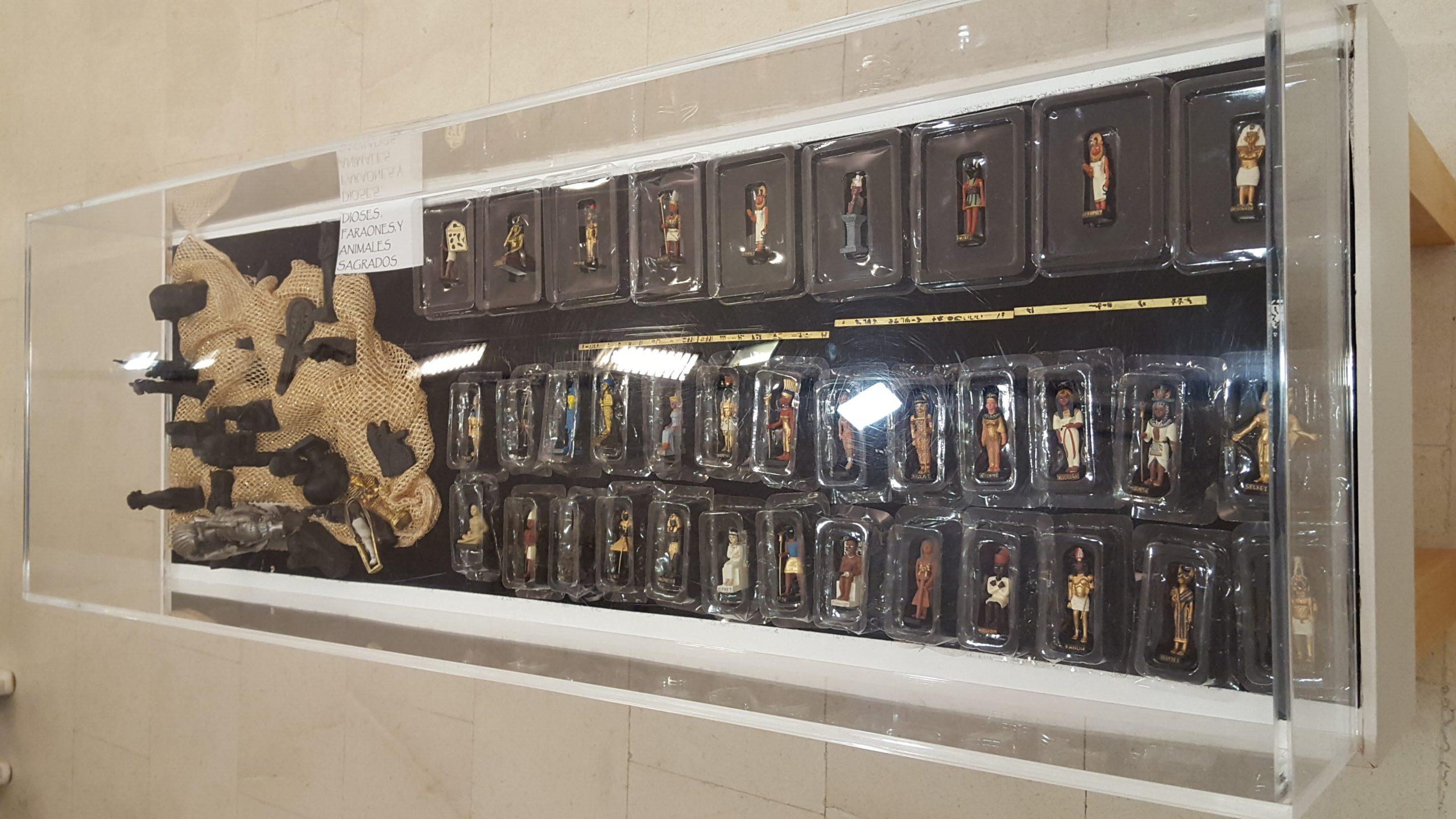 Colección faraones y Dioses de plomo.(Manuel José Delgado)