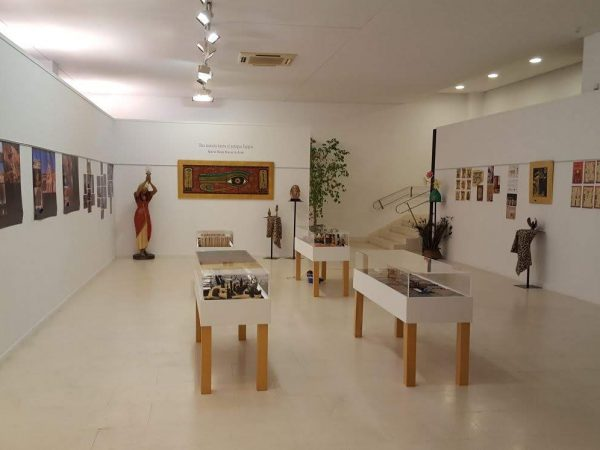 """Exposición """"Mirada hacia el antiguo Egipto"""" en el hall del Auditorio Municipal de Tarancón."""